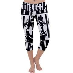Black and white abstraction Capri Yoga Leggings