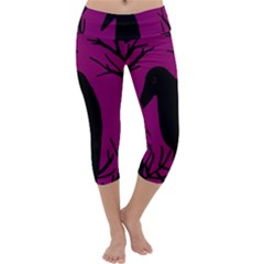 Halloween raven - magenta Capri Yoga Leggings