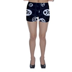 Black and white crazy abstraction  Skinny Shorts