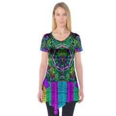 Queen Of The Light Short Sleeve Tunic
