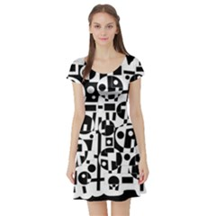 Black and white abstract chaos Short Sleeve Skater Dress