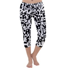 Black and white abstract chaos Capri Yoga Leggings