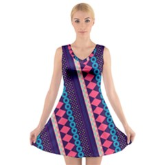 Purple and Pink Retro Geometric Pattern V-Neck Sleeveless Dress