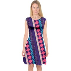 Purple And Pink Retro Geometric Pattern Capsleeve Midi Dress