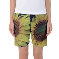 Sunflower Photography  Women s Basketball Shorts