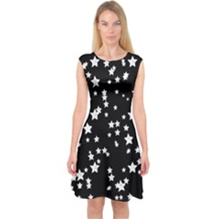 Black and White Starry Pattern Capsleeve Midi Dress