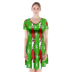 Christmas pattern - green Short Sleeve V-neck Flare Dress