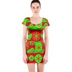 Snowflake red and green pattern Short Sleeve Bodycon Dress