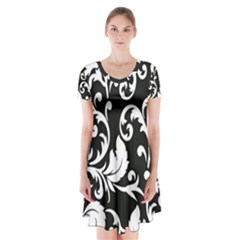 Vector Classicaltr Aditional Black And White Floral Patterns Short Sleeve V-neck Flare Dress