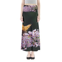 Butterfly sitting on flowers Maxi Skirts