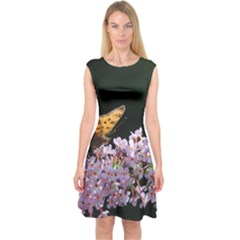 Butterfly sitting on flowers Capsleeve Midi Dress