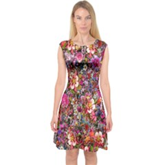 Psychedelic Flower Capsleeve Midi Dress