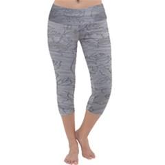 Embossed Rose Pattern Capri Yoga Leggings