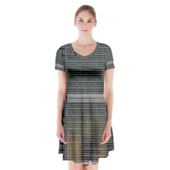 Building Pattern Short Sleeve V-neck Flare Dress