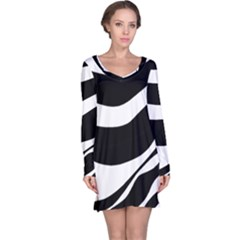 White or black Long Sleeve Nightdress