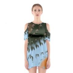 Sun-Ray Swirl Design Cutout Shoulder Dress