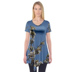 White Cherry flowers and blue sky Short Sleeve Tunic