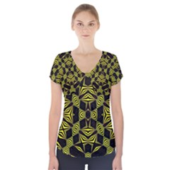 ;k (2)nh Short Sleeve Front Detail Top