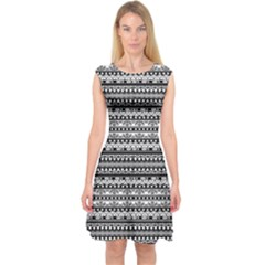 Zentangle Lines Pattern Capsleeve Midi Dress