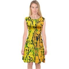Gentle Yellow Abstract Art Capsleeve Midi Dress