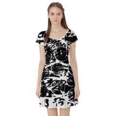 Black and white confusion Short Sleeve Skater Dress