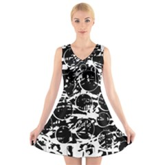 Black and white confusion V-Neck Sleeveless Skater Dress