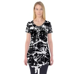 Black and white confusion Short Sleeve Tunic