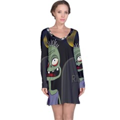 Halloween zombie on the cemetery Long Sleeve Nightdress