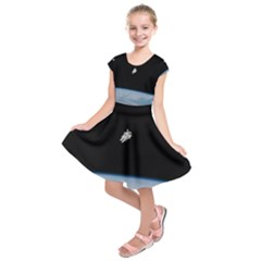 Astronaut Floating Above The Blue Planet Kids  Short Sleeve Dress