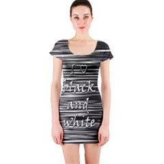 I love black and white Short Sleeve Bodycon Dress