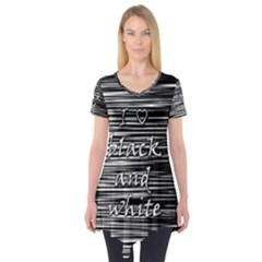 I love black and white Short Sleeve Tunic