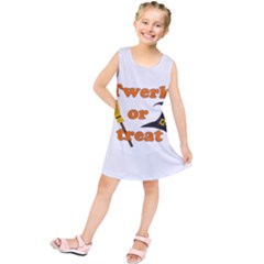 Twerk Or Treat   Funny Halloween Design Kids  Tunic Dress