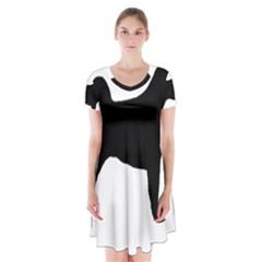 Akita Silo2 Short Sleeve V-neck Flare Dress