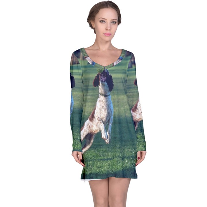 English Springer Catching Ball Long Sleeve Nightdress