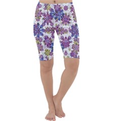 Stylized Floral Ornate Cropped Leggings