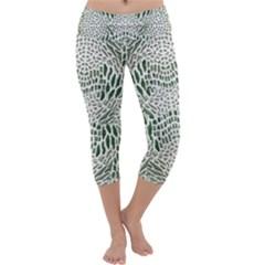 GREEN SNAKE TEXTURE Capri Yoga Leggings