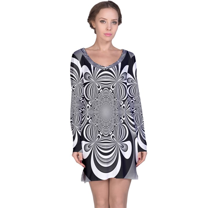 Black And White Ornamental Flower Long Sleeve Nightdress