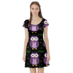 Halloween purple owls pattern Short Sleeve Skater Dress