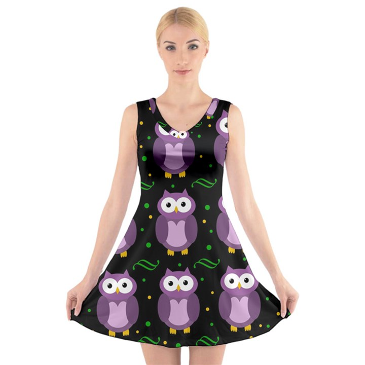 Halloween purple owls pattern V-Neck Sleeveless Skater Dress