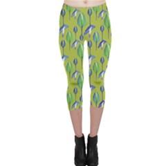 Tropical Floral Pattern Capri Leggings