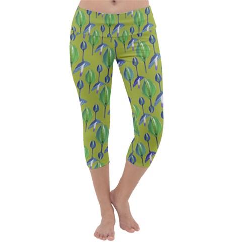 Tropical Floral Pattern Capri Yoga Leggings