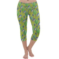 Tropical Floral Pattern Capri Yoga Leggings