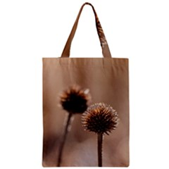 Withered Globe Thistle In Autumn Macro Zipper Classic Tote Bag