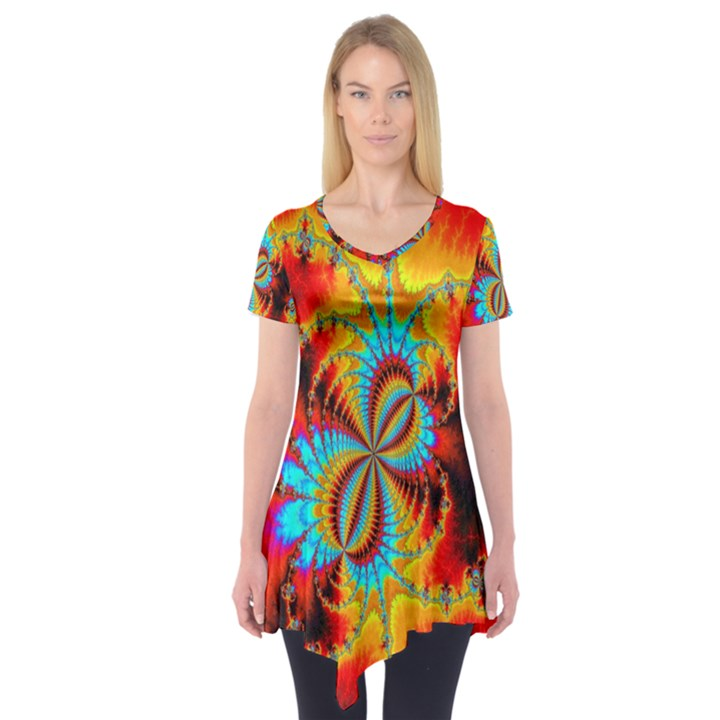 Crazy Mandelbrot Fractal Red Yellow Turquoise Short Sleeve Tunic