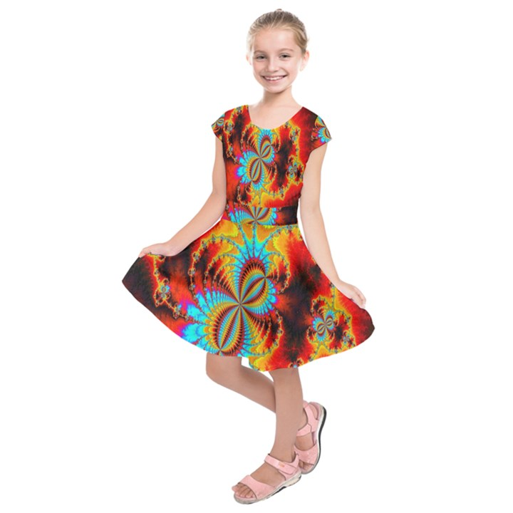 Crazy Mandelbrot Fractal Red Yellow Turquoise Kids  Short Sleeve Dress