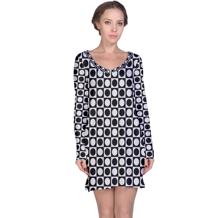 Modern Dots In Squares Mosaic Black White Long Sleeve Nightdress