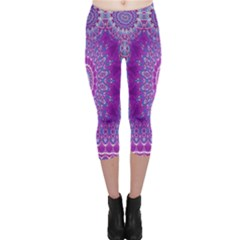India Ornaments Mandala Pillar Blue Violet Capri Leggings