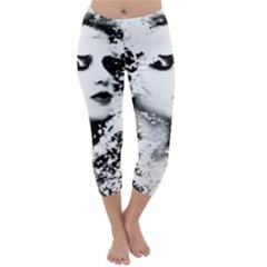 Romantic Dreaming Girl Grunge Black White Capri Winter Leggings
