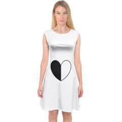 Yinyangheart Capsleeve Midi Dress