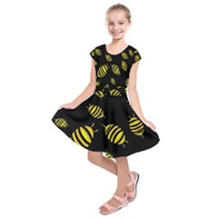 Decorative bees Kids  Short Sleeve Dress